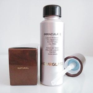 Hourglass immaculate foundation NATURAL